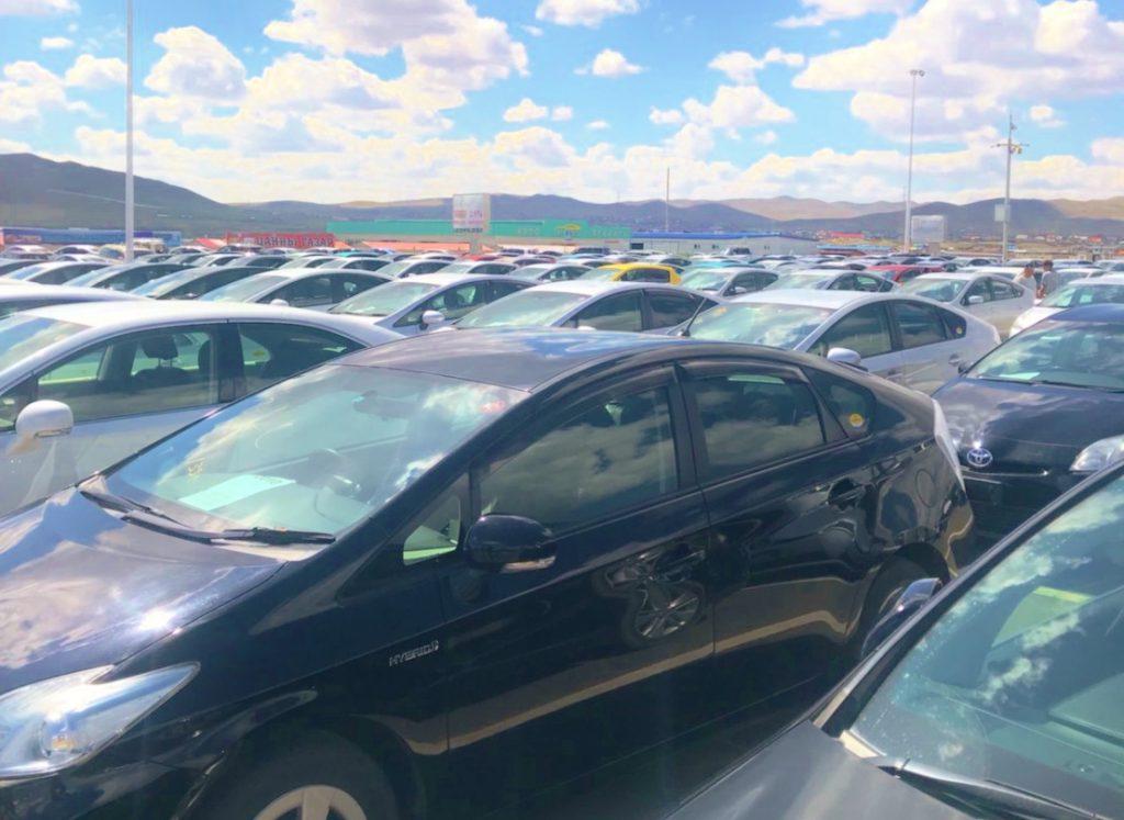 中古車市場風景